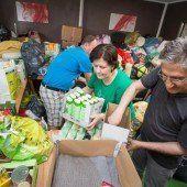 Bosniaken helfen ihren Landsleuten