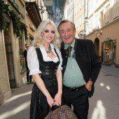 Richard Lugner verlobt sich mit Spatzi