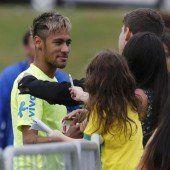 Neymar glänzt als Goldköpfchen im Training