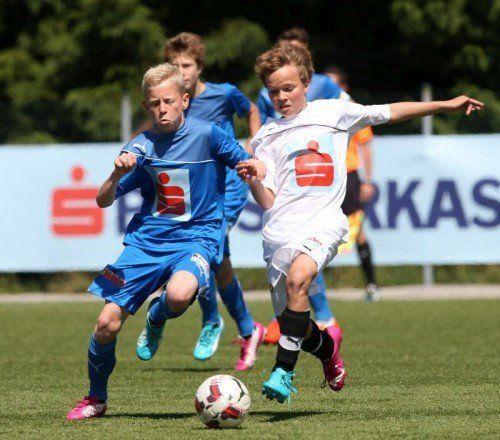 Das PG Mehrerau (in Blau) wuchs bei der Sparkasse Schülerliga-Bundesmeisterschaft über sich hinaus. Foto: schülerliga