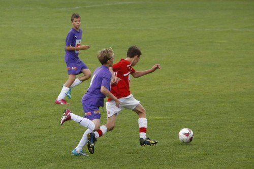 Das PG Mehrerau (in roten Trikots) könnte heute den ersten Titel für Vorarlberg bei einer Bundesmeisterschaft erringen. Foto: schülerliga