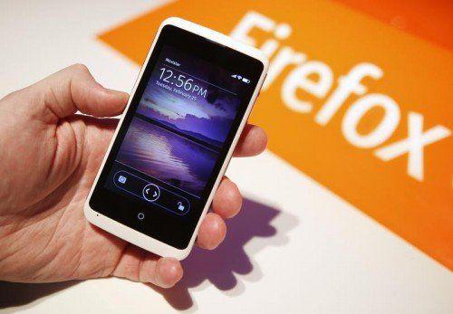Das ZTE open C ist eines der ersten Smartphones, die mit Betriebssystem Firefox OS 1.3 von Mozilla laufen.  Foto: Reuters