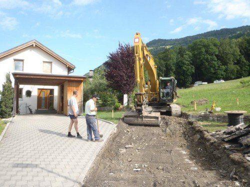 Der Feldweg in Schnifis wird derzeit ausgebaut.