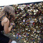 Tausende Liebesschlösser entfernt