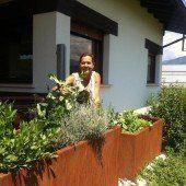 Die erste Bio-Gemüsekiste geht an Hobby-Gärtnerin in Meiningen