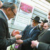 Gedenken vor dem Jüdischen Museum von Brüssel