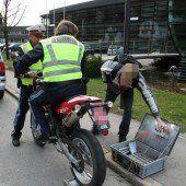 Polizei-Alarm: Raser flüchtete mit dem Moped