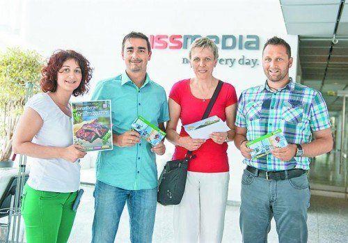 Gewinnübergabe (v. l.): Patrizia Gunz (Russmedia), Jan Moosbrugger, Manuela Simcic und Markus Barthold.  Foto: VN/Rhomberg