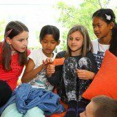 Preis für Teilnahme am VN-Lesetag: Schultheatercoach kam nach Dornbirn