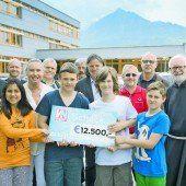 12.500 Euro für Ma hilft