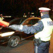 Anzeigen gegen telefonierende und alkoholisierte Fahrzeuglenker