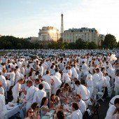 Weiße Kleidung ist Pflicht