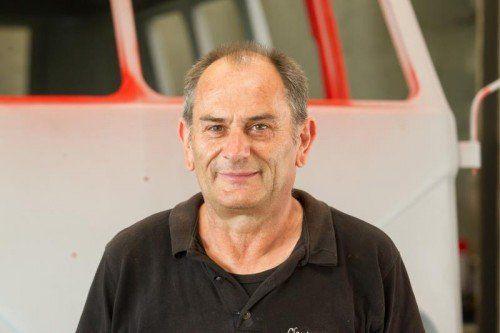 Peter Rupp,  Kfz-Mechaniker  Unsere Arbeit begeistert uns, weil in den alten Motoren noch Leidenschaft steckt. Jede Reparatur oder Restauration ist eine tolle Herausforderung.