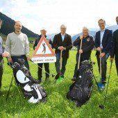 Arlberger feierten mit Spatenstich Baustartschuss für 9-Loch-Golfplatz im Zugertal