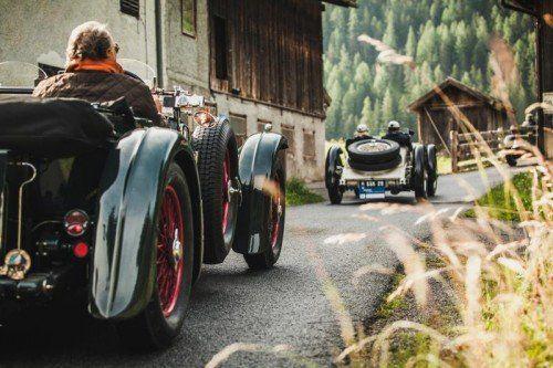 Starten heute zur großen Ausfahrt: 110 Oldtimer-Teams der Arlberg Classic Car Rally.