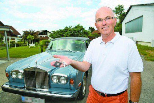 Stefan Oberhuber hat sich im vergangenen Jahr als Auto-Concierge selbstständig gemacht. Foto: VN/Hofmeister
