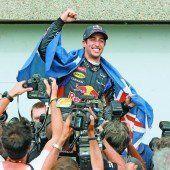 Rosberg lahmt, Ricciardo gewinnt