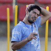 Uruguay bangt noch um Suarez