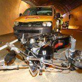 Schwer verletzter Motorradlenker nach Unfall im Ambergtunnel