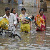 Indien: Erdrutsch begrub Dorf