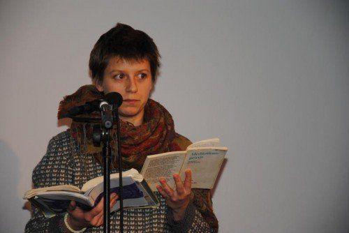 Autorin Tabea Xenia Magyar schreibt selbst in einem Team. Foto: TaS
