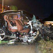 Geschwisterpaar stirbt bei Geisterfahrer-Unfall