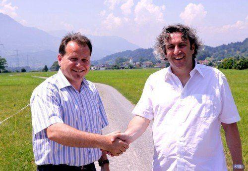 Bürgermeister-Duo radelt gemeinsam in die Zukunft.  Foto: tmh