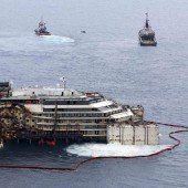 Die Costa Concordia schwimmt wieder