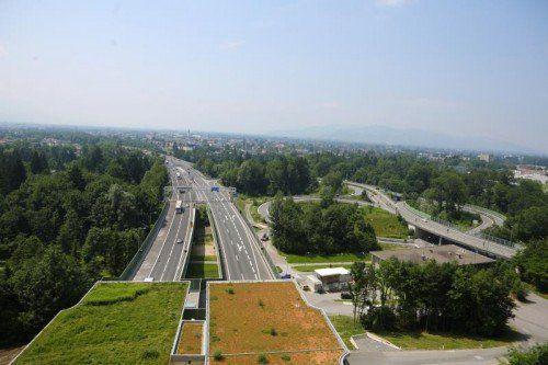 pfaendertunnel einfahrt weidachknoten autobahn verkehr