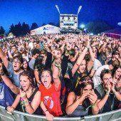 25. Szene Openair startete mit perfektem Festivalwetter und hochkarätigen Bands