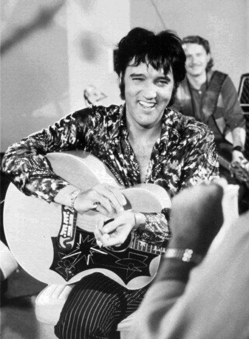 Elvis Presley bei einem Fotoshooting in den 1970er-Jahren. Foto: AP
