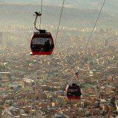 Verkehrsmittel Seilbahn: La Paz baut weiter aus