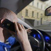 Smartphone-Verbot am Steuer