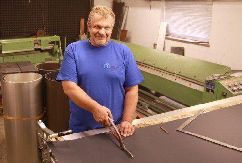 """Ich bin gern mein eigener Herr"" sagt Spenglermeister Robert Messner.  Foto: Hechenberger"