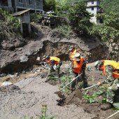 Sechs Tote nach Erdrutschen