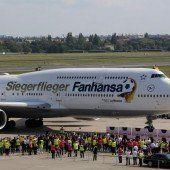 WM-Boeing fliegt 18 Tage lang als Siegerflieger weiter