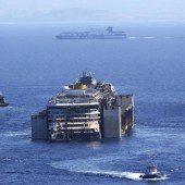 Letzte Reise der Costa Concordia hat begonnen