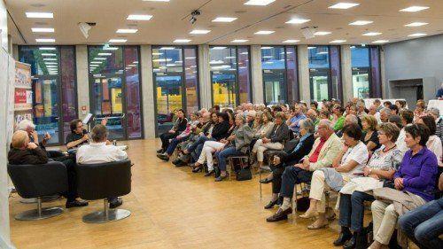 150 Besucher haben den Mozart-Abend im Festsaal der AK in vollen Zügen genossen.  Foto: VN/Stiplovsek