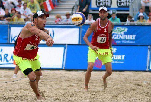 Alexander Horst (l.) und Clemens Doppler erreichten souverän das Achtelfinale beim Heim-Grand-Slam in Klagenfurt. Foto: gepa
