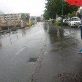 Regenduschen wegen Straßenunebenheiten