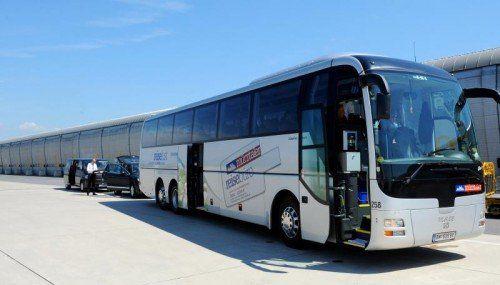 Busunternehmen stehen wegen der Weiterbildungsauflagen zunehmend unter Druck. Foto: GEPA