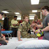Prinz Harry schreibt über Erfahrungen im Krieg