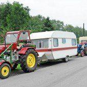 Traktorgespanne verreisen