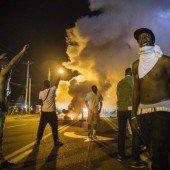 Polizei setzt Tränengas und Blendgranaten ein