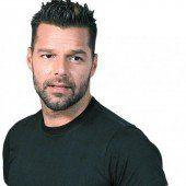 Ricky Martin eröffnet Schule