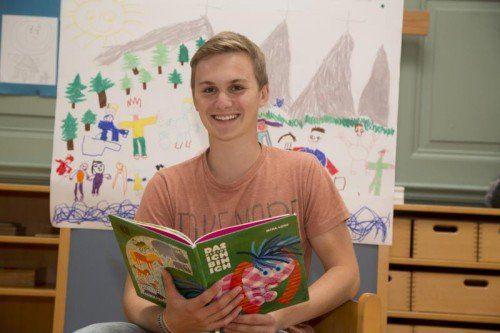 Elias Jagg ist im Kindergarten an der Belruptstraße auch ein Vorleser. Foto: VN/Paulitsch