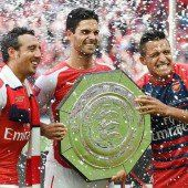 Arsenal holt den ersten Saisontitel in England