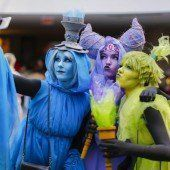 Zehntausende feiern Sciene-Fiction-Festival