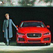 Prominente werben für Jaguar Sport-Limousine