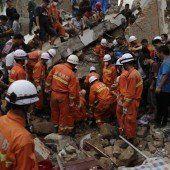 Freiwillige behindern Bergung nach Beben